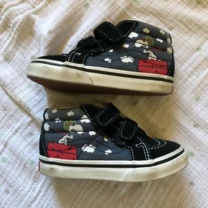 Vans X Peanuts hi top shoes